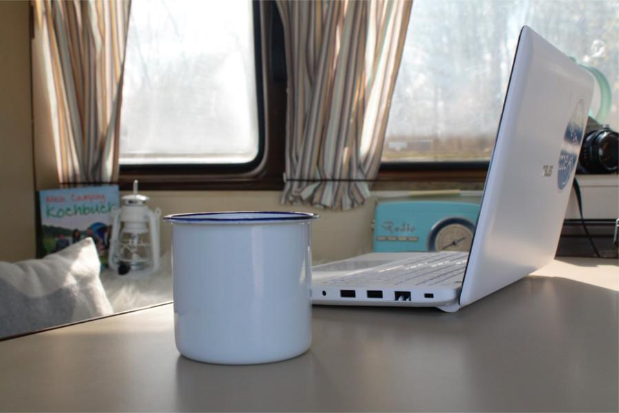 """Hein_VW_T3_Laptop_Tisch-Kaffee VW Bus T3 """"Hein"""""""