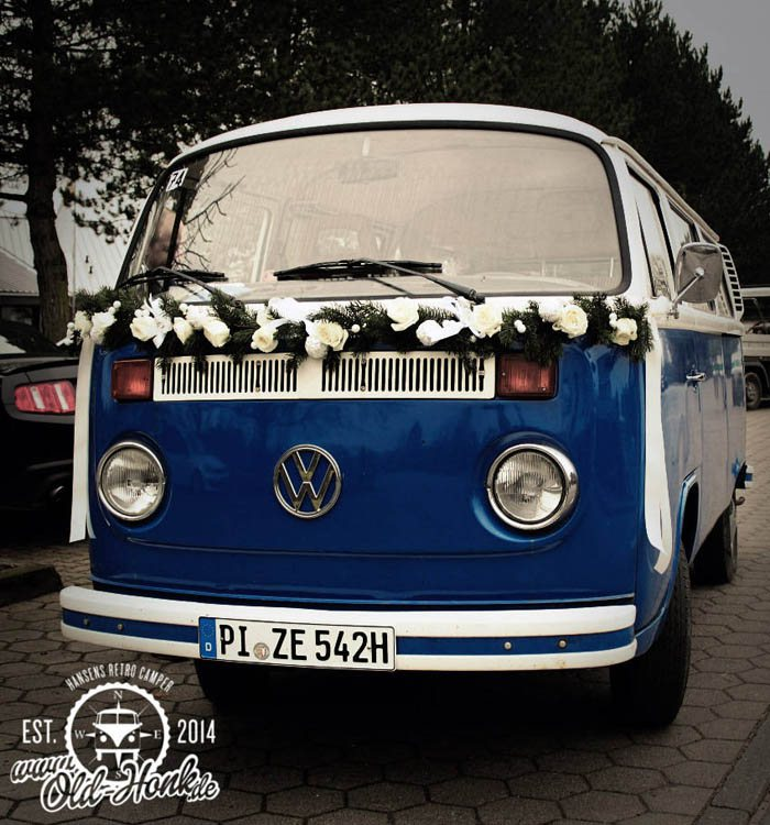 Old-Honk-Bullivermietung-Hochzeitsauto-Messestand-Filmrequisite-Fotobulli-VWT2 Specials